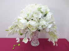 White Crescent Set – Bridal Crescent Bouquet